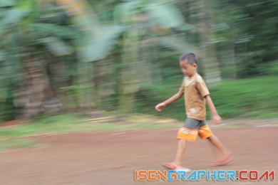 child moving 2
